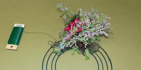 Wreath Making Attach Bundle To Ring